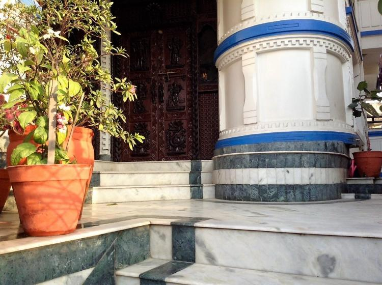entrance pic 2